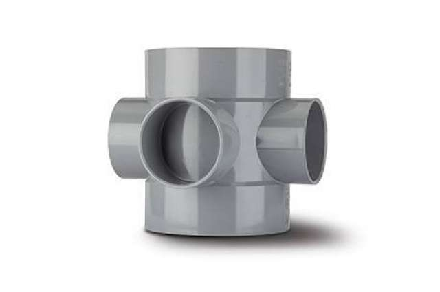 Short Boss Pipe 4in/110mm. Double solvent socket requires boss adaptor